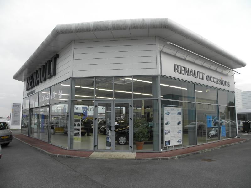 Renault entrée n°3 avant.jpg